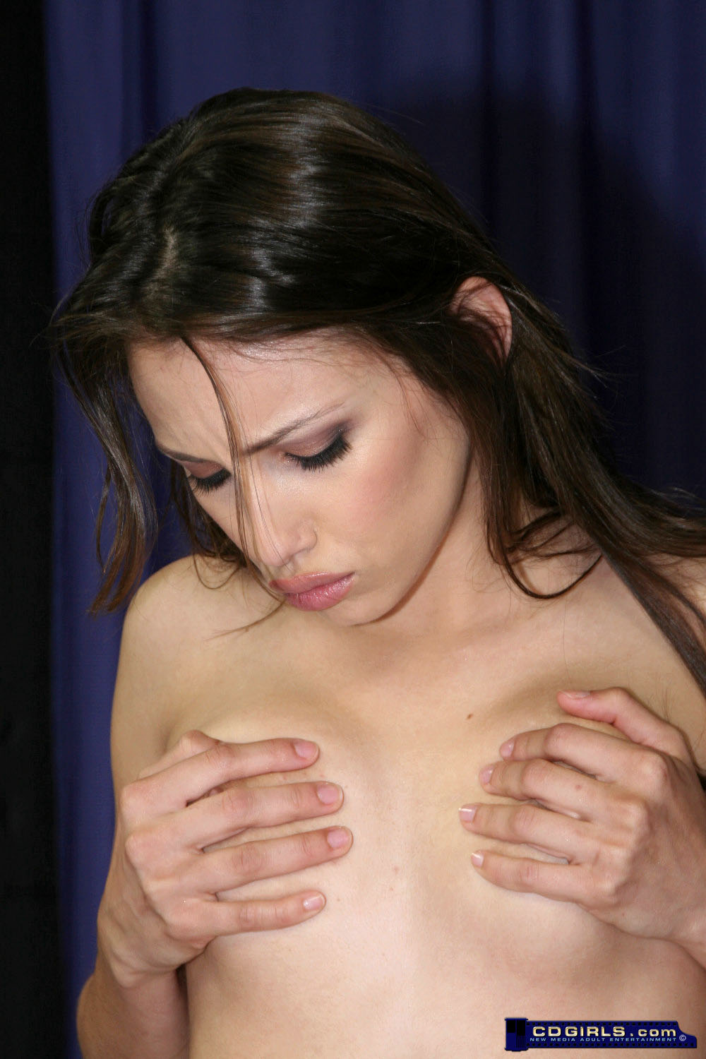 Celeste's orgasm filled Sybian ride image #4